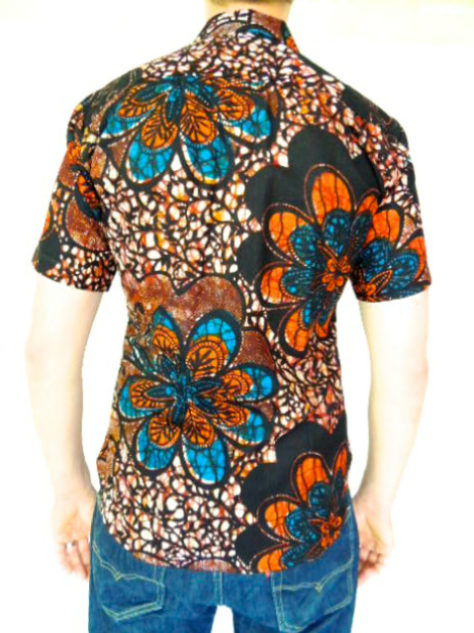Men's red blue African print short sleeve shirt model wearing back view